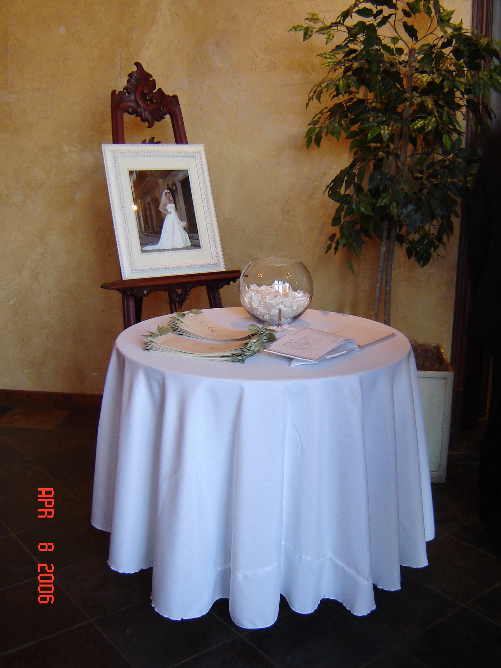 simply elegant weddings rentals table rentals tables and chairs