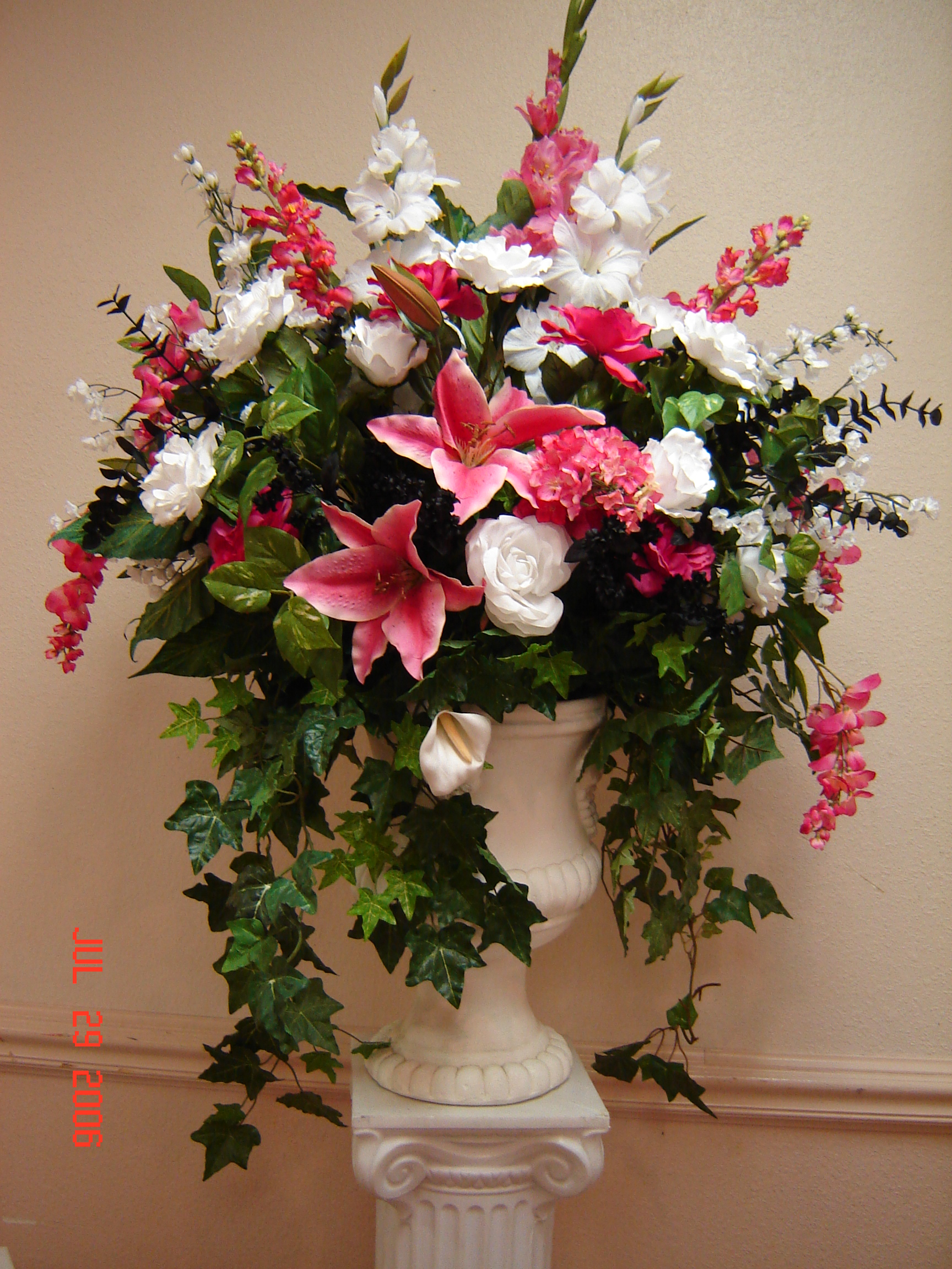 Simply elegant weddings flower arrangements izmirmasajfo