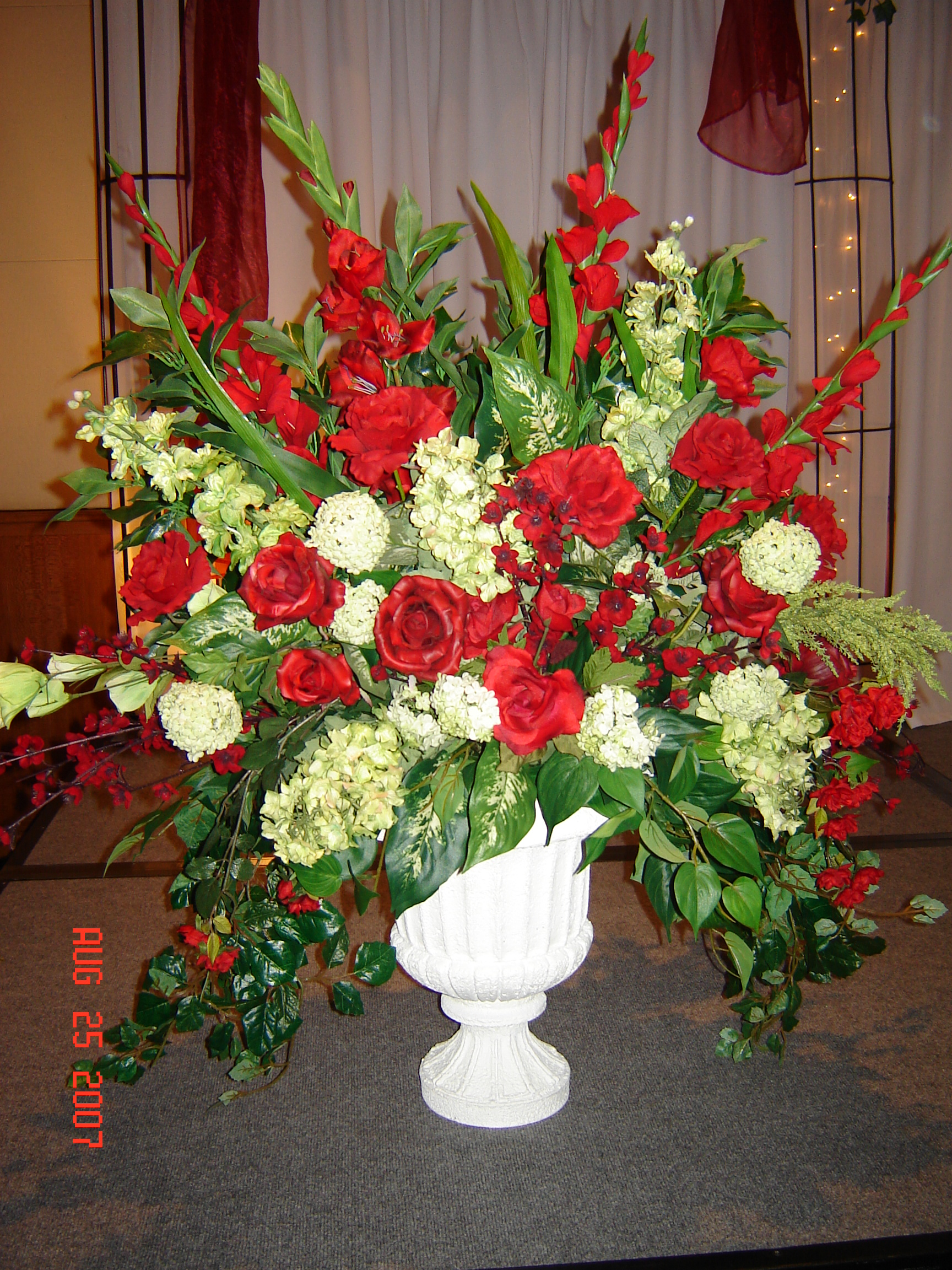 Simply elegant weddings flower arrangements mightylinksfo
